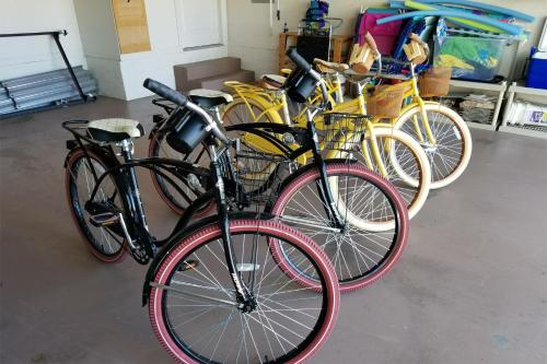 Cycling at or in the surroundings of Waterfront Marco Island Vacation Home With Private Pool