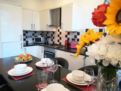 Delightful, 1 Bedroom Apartment with Sofa Bed, Uplands, Swansea
