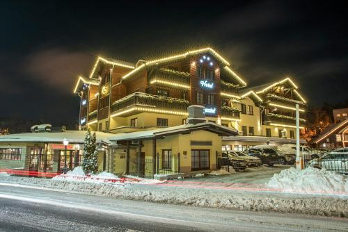 Hotel Kryształ Conference & Spa during the winter