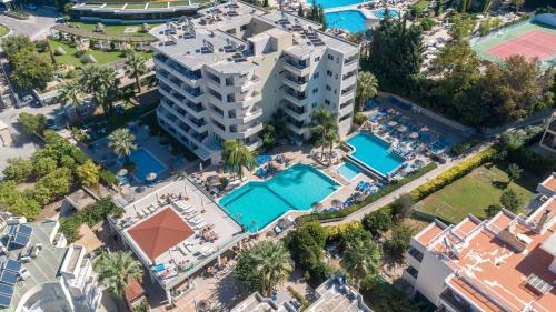 מבט מלמעלה על Poseidonia Apartments