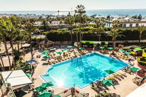 Hotel Argana Agadirの敷地内または近くにあるプールの景色
