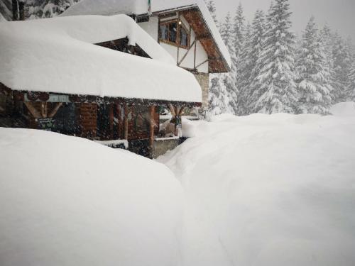 Lovna Hut during the winter