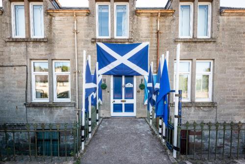 Burnside, 25 Millbank Road, Munlochy Inverness IV8 8NL
