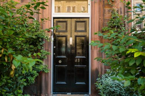 The facade or entrance of Beautiful, Traditional 2 Bedroom Main Door Flat