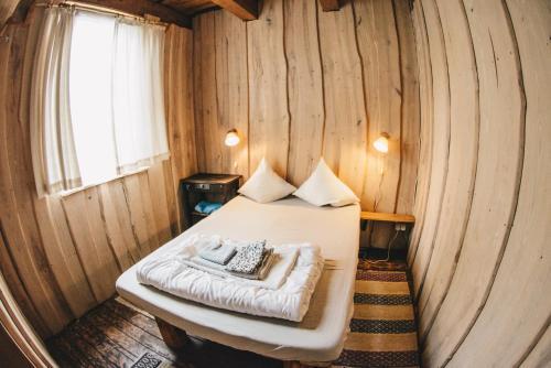 Lova arba lovos apgyvendinimo įstaigoje Sunny nights Mini Hostel