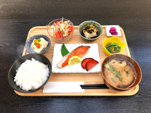 Food at or somewhere near the capsule hotel
