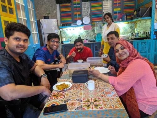 A restaurant or other place to eat at Salaam Namastey Backpakers