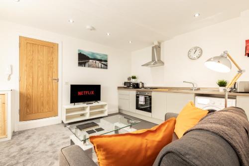 Karah Suites - Baker Street Apartments