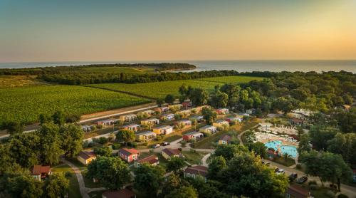 A bird's-eye view of Aminess Maravea Camping Resort Mobile Homes