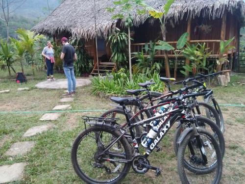 Đạp xe trong hoặc quanh Pu Luong Holiday