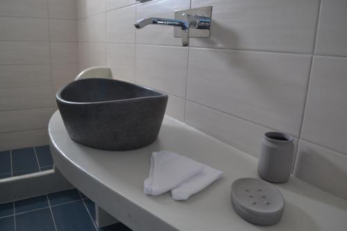 A bathroom at Atrium Villa