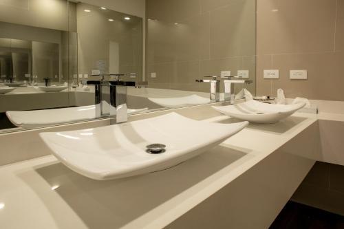 A bathroom at Acantilados