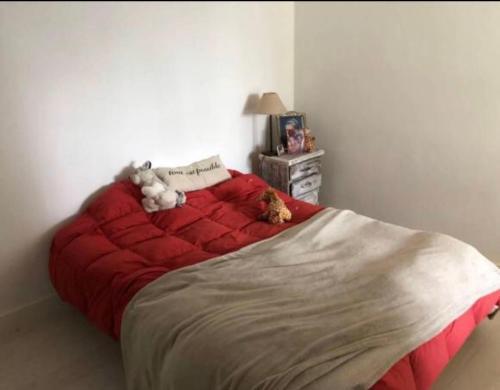 Una cama o camas en una habitación de Casa en country club
