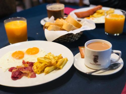 Breakfast options available to guests at Hotel Rural Venta del Término