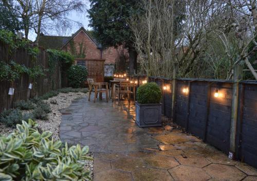 3 Tudor Cottage