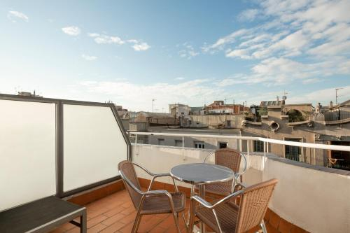 A balcony or terrace at Barcelona Apartment Aramunt