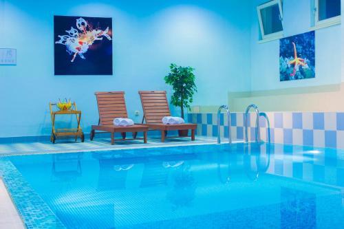 Der Swimmingpool an oder in der Nähe von Hotel Spongiola