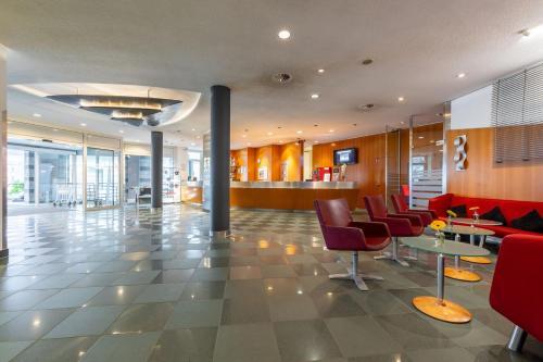 Lobby/Rezeption in der Unterkunft Novotel Mainz