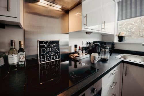 Contractors - book now for 2021! Multiple apartments secure parking! Hinckley Centre