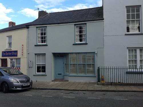 6 Hill Street, Haverfordwest.