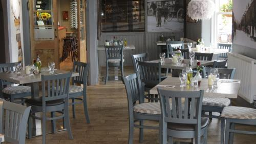 A restaurant or other place to eat at The Lion Waddesdon