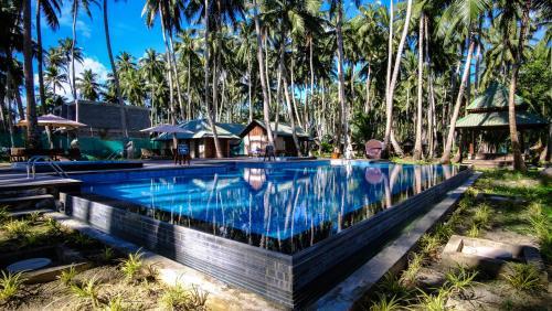 Swimmingpoolen hos eller tæt på Sea Shell Havelock