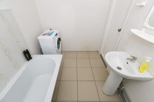 A bathroom at Квартира в новом доме на Выборной