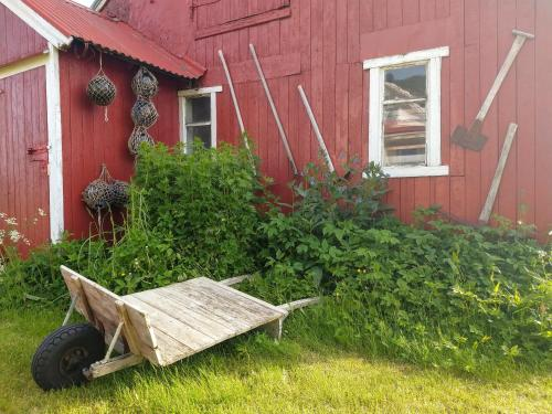 En hage utenfor Borghildstua Feriehus