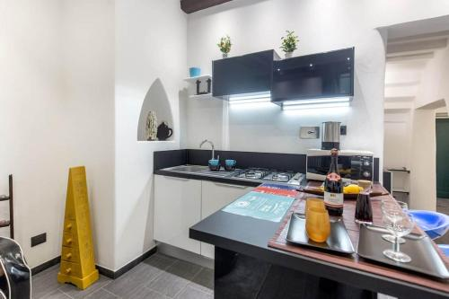 Una cocina o zona de cocina en Gauguin Modern House + Free Bikes