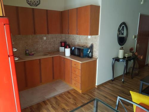 A kitchen or kitchenette at Top Floor Apartment