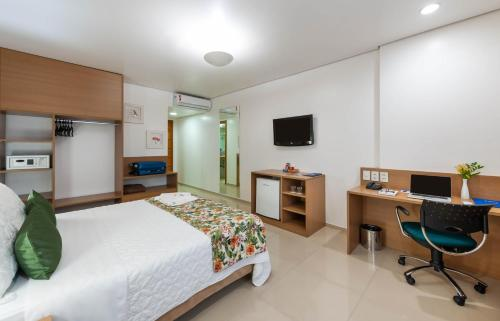 A television and/or entertainment centre at Blue Tree Premium Manaus