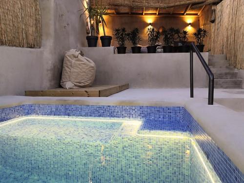 A piscina em ou perto de Ronda Center Apartments with Pool