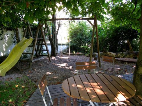Ein Kinderspielbereich in der Unterkunft Gasthaus Sonne