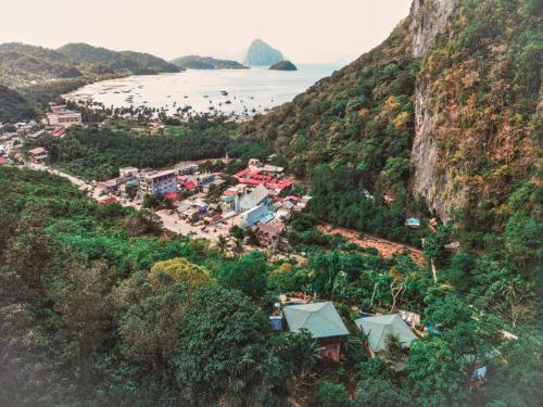 A bird's-eye view of El Nido Viewdeck Cottages