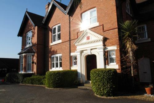 Warwick Victorian Apartment