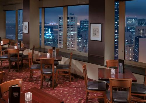A restaurant or other place to eat at InterContinental Mark Hopkins San Francisco