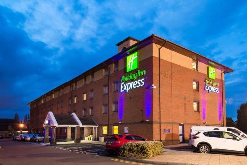 Holiday Inn Express Birmingham Oldbury