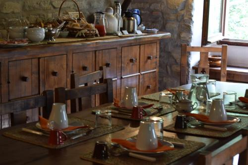 A restaurant or other place to eat at Borgo Corniola B&B Naturista
