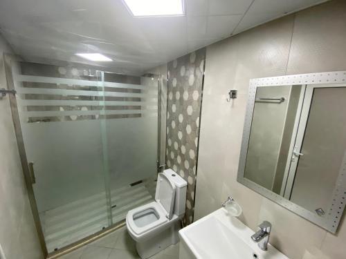 Um banheiro em Cozy Old City Apartment