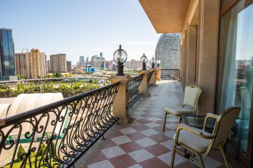 A balcony or terrace at Excelsior Hotel & Spa Baku