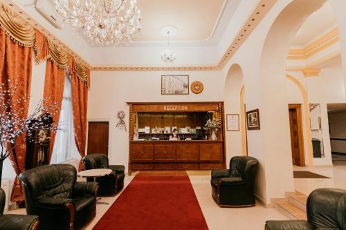 The lobby or reception area at Tisza Hotel