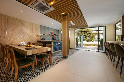 A restaurant or other place to eat at Viryla Boutique Hotel
