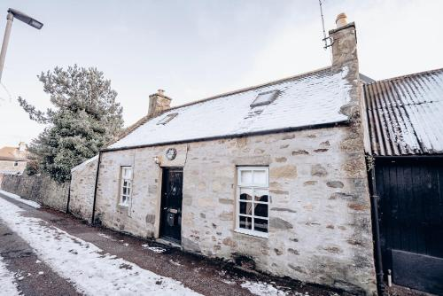 Nae View Cottage, 123A Mid Street