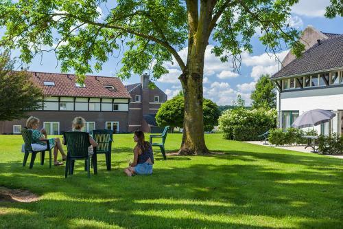 A garden outside Buitenplaats De Mechelerhof
