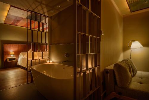 A bathroom at Hotel La Casueña