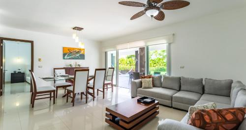 Гостиная зона в Mareazul Beach Front Resort Playa del Carmen