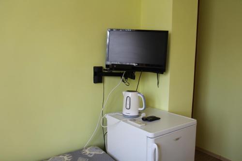 A television and/or entertainment center at Tsvetok i Kamen