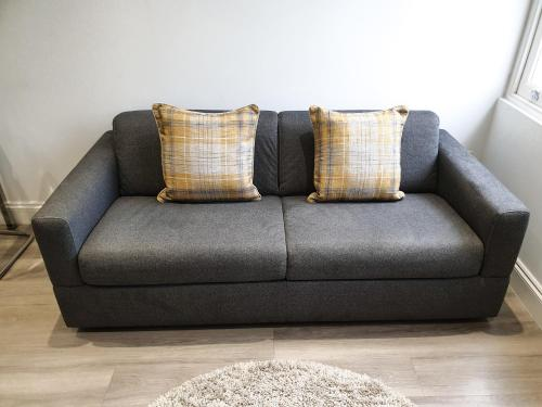 A seating area at 2-bed Notting Hill / Portobello