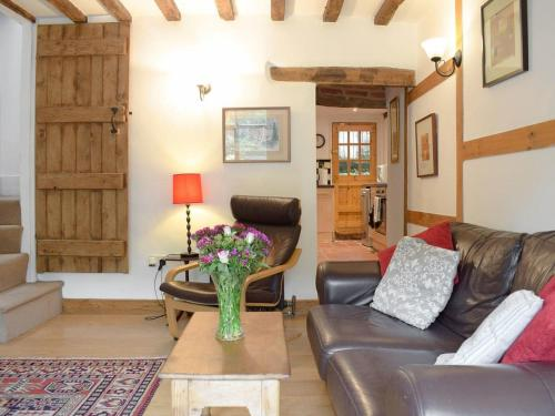 A seating area at River Cottage 2