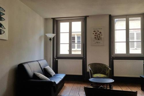 A seating area at APPARTEMENT CENTRE VILLE PROCHE RUE PASTEUR